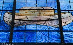 Fenster: Noahs Arche, gemalt von Anton Lehmden. Foto © Felix Mayer