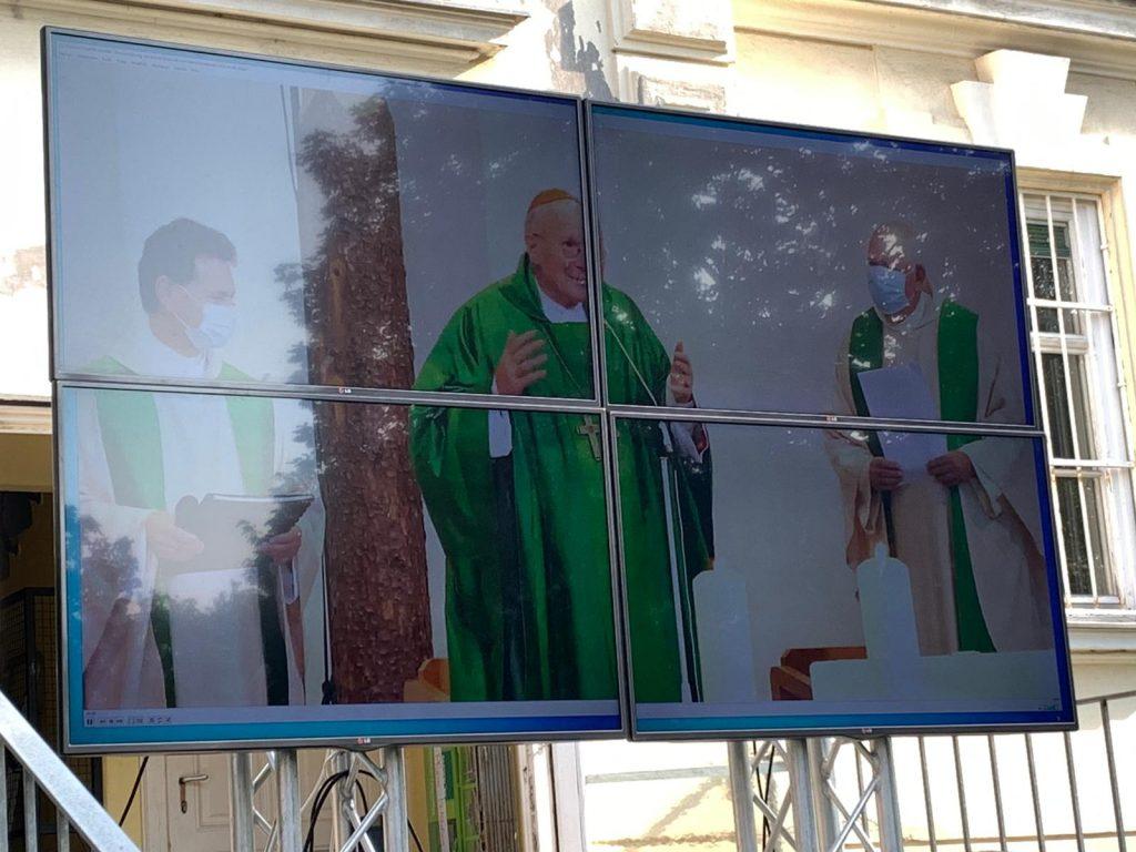 Installation von Pfarrer Zvonko Brezovski durch Kardinal Schönborn am 13. September 2020. © Nina Chalupsky