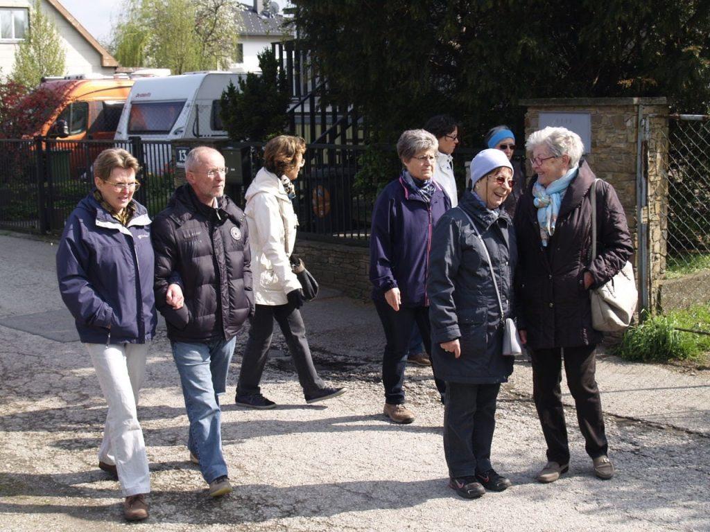 Die Wandergruppe bei der 3 Pfarren Wanderung. © Pfarre Neustift